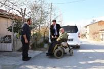 TEKERLEKLİ SANDALYE - Engelli Vatandaşlara, Akülü Sandalye Hediye Etti