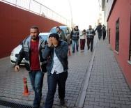 HIRSIZLIK ZANLISI - İş Adamının 59 Bin TL'sini Çalan Zanlı Eşi İle Buluşmaya Gelince Yakalandı