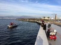 YUNUS TİMLERİ - İzmir'de Balıkçılar Denizde Tabanca Buldu