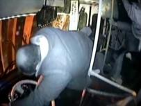 GİZLİ BUZLANMA - Yolcu otobüsünün devrilme anı kamerada