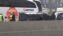HAREKAT POLİSİ - Zırhlı Polis Aracı Devrildi Açıklaması 4 Özel Harekatçı Yaralandı