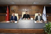 CUMHUR ÜNAL - AK Parti Heyeti Tekkeköy Belediye Binasını Gezdi