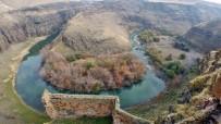 PERI BACALARı - Amatör Dağcılar, Kars'ı Yeniden Keşfediyor