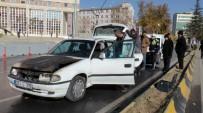 HIRSIZLIK ZANLISI - Çaldığı Otomobil Trafikte Alev Alınca Bırakıp Kaçtı