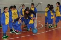 ZİHİNSEL ENGELLİLER - Görme Engelli Çocuklar 'Goalball' İle Tanıştı
