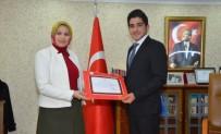 MECLİS BAŞKANLARI - İl Milli Eğitim Müdürü Durmuş'a İl Öğrenci Meclis Başkanı Demir'e Teşekkür