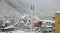 Kürtün'de Okullara Kar Tatili