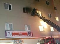 HÜSEYIN CAN - Mardin Kız Öğrenci Yurdunda Yangın Paniği