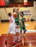 VOLEYBOL TAKIMI - Nilüfer Belediyespor Başarıya Doymuyor
