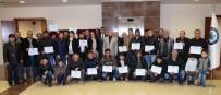 MÜLTECI - Okuma Yazma Öğrenen 60 Suriye Ve Iraklı Mülteciye Sertifikaları Verildi