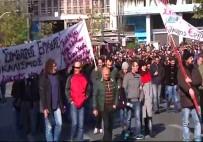 KEMER SIKMA - Yunanistan'da Hükümete 'Kemer Sıkma' Protestosu