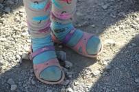 İRAN - Ayakkabı Olmadığı İçin Okula Terlikle Gidiyorlar