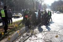 POLİS MEMURU - Cumhurbaşkanı Erdoğan'ın Konvoyunda Kaza