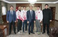 TÜRKIYE MUAY THAI FEDERASYONU - Dünya Şampiyonlarından Vali Taşyapan'a Ziyaret
