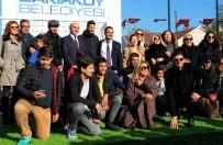 BAKIRKÖY BELEDİYESİ - Futbolcular Çocuklar İçin Halı Sahada