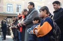 GIYABİ CENAZE NAMAZI - Halep'de Ölenler İçin Gıyabi Cenaze Namazı Kılındı