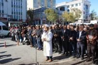 GIYABİ CENAZE NAMAZI - Halep'te Ölenler İçin Gıyabi Cenaze Namazı Kılındı