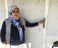 İNGILIZCE - İzmir'de gönüllü öğretmenlik için köye giden 6 kadına cinsel saldırı