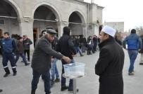 GIYABİ CENAZE NAMAZI - Kars'ta Halep'te Katledilenler İçin Gıyabi Cenaze Namazı Kılındı