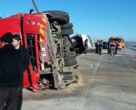 SÜLEYMAN DEMIREL ÜNIVERSITESI - Kaza Sonrası Can Pazarı Açıklaması 2'Si Ağır 35 Kişi Yaralı