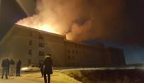 GÜMRÜK VE TİCARET BAKANI - Lisede Korkutan Yangın