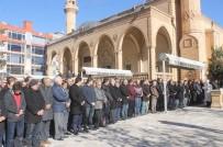 GIYABİ CENAZE NAMAZI - Mardin'de Halep İçin Gıyabi Cenaze Namazı Kılındı