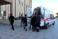 YOLCU TAŞIMACILIĞI - Minibüs Sürücüleri Arasında Kavga Açıklaması 9 Yaralı