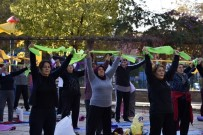 ÜLKER - Muratpaşalı Kadınlar Güne Sporla Başlıyor