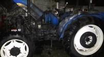 HALITPAŞA - Saruhanlı'da Park Halindeki Traktör Küle Döndü