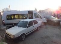 İSMAIL HAKKı KARADAYı - Çankırı'da Trafik Kazası Açıklaması 3 Yaralı