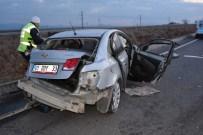 Hasta Nakil Aracı İle Otomobil Çarpıştı Açıklaması 15 Yaralı