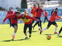 MUSTAFA GÖKÇE - Trabzonspor Eksik Çalıştı