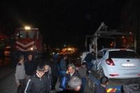 Yolcu Treni Otomobili Biçti Açıklaması 2 Yaralı