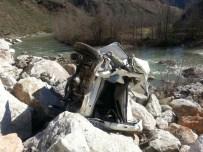 Otomobil Uçuruma Yuvarlandı Açıklaması 1 Yaralı