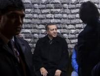 MİNİBÜS DURAĞI - Cumhurbaşkanı Erdoğan esnafla sohbet etti