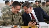 ŞEHİT AİLELERİ - Başbakan Davutoğlu, Erzincan'da Ahıska Türklerini Ziyaret Etti
