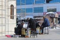 SIBIRYA - Erzurum'da Sıcak Hava Vatandaşları Şaşırttı
