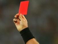 CESAR - Kendisine kırmızı kart gösteren hakemi öldürdü