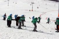 AHMET CAN PINAR - Yıldızelili Öğrenciler Kayak Öğreniyor