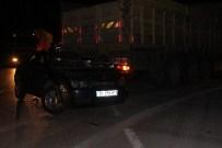 MEHMET KARATAŞ - Adana'da Trafik Kazası Açıklaması 1 Ölü, 2 Yaralı