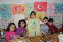 ESRA ŞAHIN - Eyyübiyeli Çocuklar Ve Yetişkinler Ebru Sanatını Öğreniyor