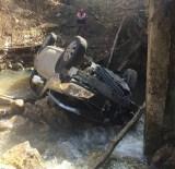 Otomobil Dereye Uçtu Açıklaması 1 Ölü, 3 Yaralı