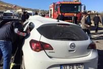 Otomobil İle Beton Mikseri Çarpıştı Açıklaması 1 Yaralı