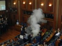 KOSOVA MECLİS BAŞKANI - İki Ay Sonra Toplanan Kosova Meclisi Yine Karıştı