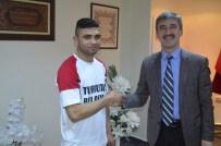 TURGAY ŞIRIN - Başkan Şirin'in Desteğini Aldı Şampiyon Oldu