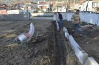Çatalköprü'nün Okul Bahçesi Artık Parke Döşeli