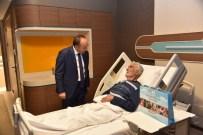 Başkan Üzülmez, Hastalara Moral Veriyor