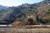 Of-Çaykara Karayolu TEK Şeritten Ulaşıma Açıldı