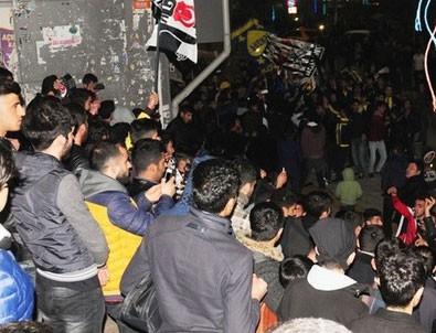Fenerbahçe - Beşiktaş Maçının Ardından Taraftarlar Birbirine Girdi 37