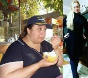 OBEZİTE CERRAHİSİ - Bir Yılda 70 Kilo Verdi, Hayatı Değişti